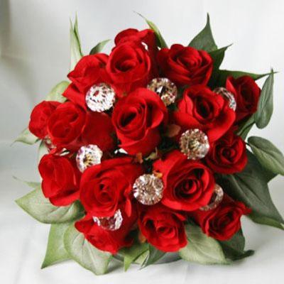 Crveni buketi za vjenčanje