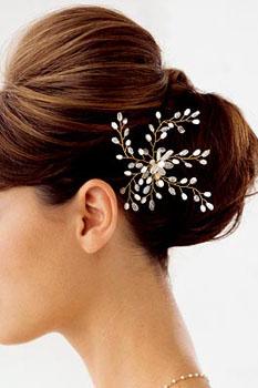 frizure-za-vjencanja-cvijece-u-kosi-61
