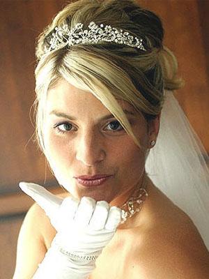 frizure-za-vjencanje-s-krunom-5