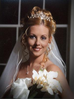 frizure-za-vjencanje-s-krunom-7
