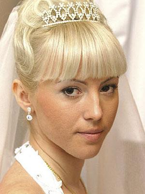 frizure-za-vjencanje-s-krunom-8