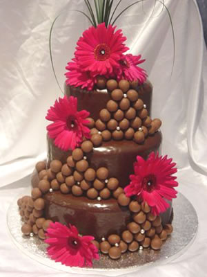 Cokoladne svadbene torte ukrasene cvijecem-3