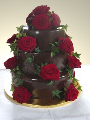 Cokoladne svadbene torte ukrasene cvijecem-4