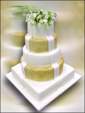Cvjetne svadbene torte slike-6