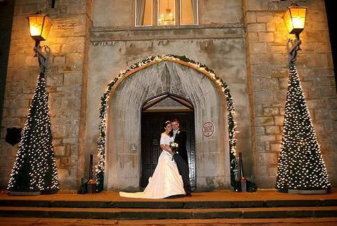 Dekoriranje crkve za zimsko vjencanje