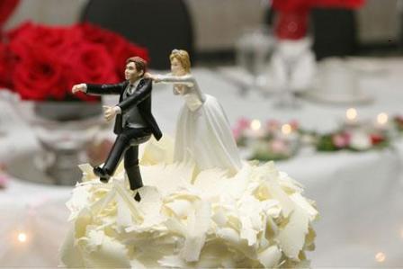 Svadbene torte – saljive figure na vrhu-1