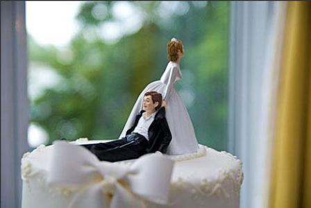 Svadbene torte – saljive figure na vrhu-2
