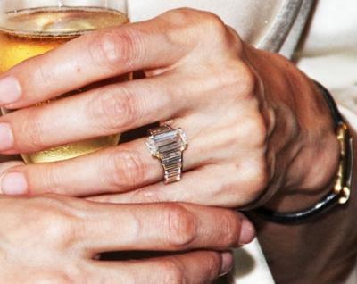 Angelina Jolie_zarucnicki prsten_1