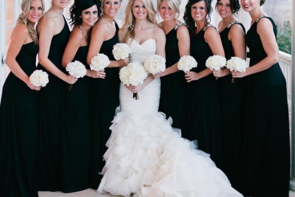 Crne haljine za kume na vjenčanju