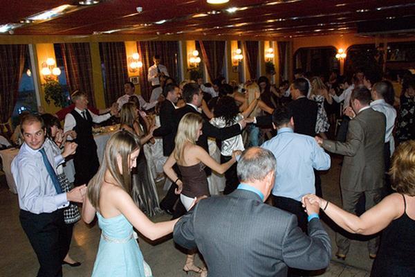 Kako da gosti plešu na vjenčanju?!